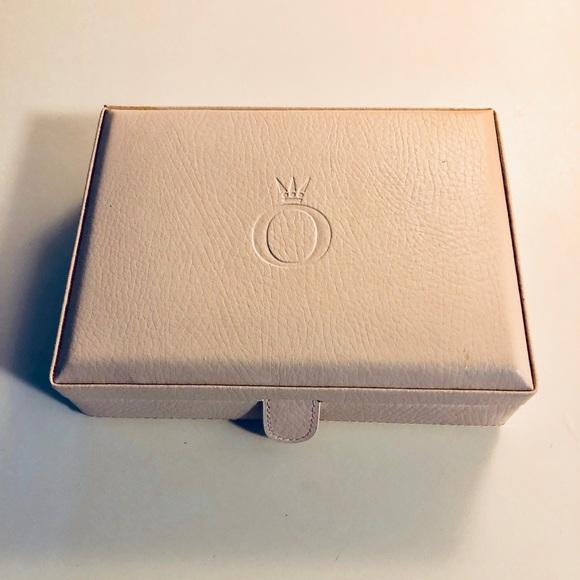 848f2b1e16825 Pandora unforgettable moments leather jewelry box